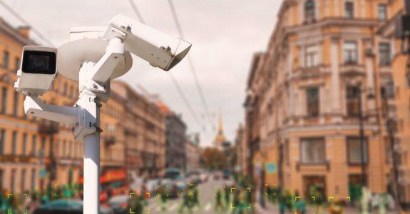 Videoüberwachung von öffentlichen Verkehrsflächen und Zugängen zu fremden Grundstücken