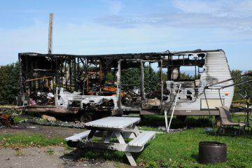 Brandschaden durch abgemeldeten Wohnanhänger – Haftung – Kfz-Versicherung