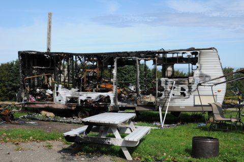 Brandschaden durch abgemeldeten Wohnanhänger – Haftung - Kfz-Versicherung