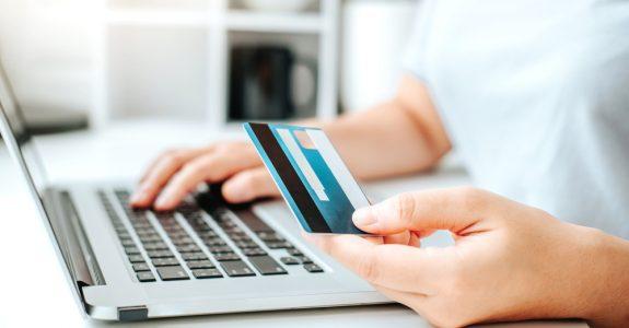 Schadensersatz wegen Nutzung Zahlungsdienst ohne Deckung der hinterlegten Girokonten