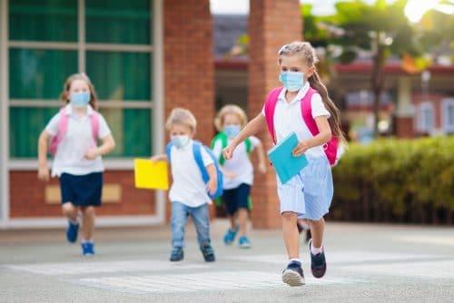 Corona-Pandemie - Maskenpflicht an Grundschulen