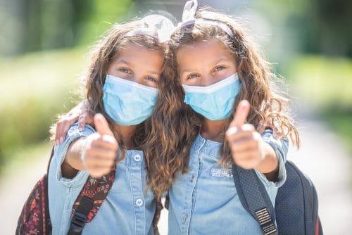 Corona-Pandemie - Anordnung Pflicht zum Tragen Mund-Nasen-Bedeckung für Schüler