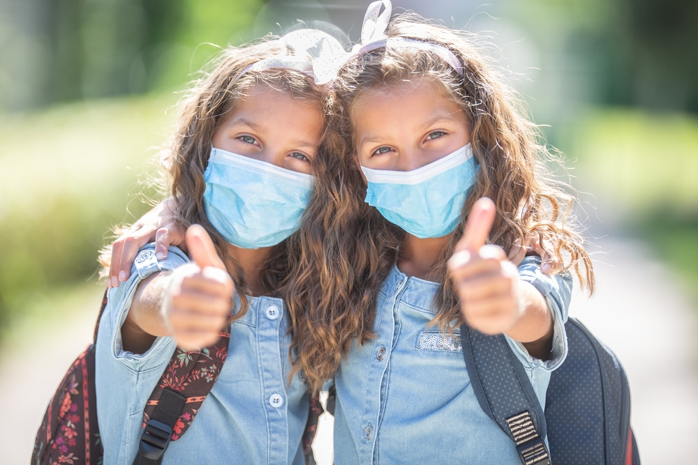 Corona-Pandemie – Anordnung Pflicht zum Tragen Mund-Nasen-Bedeckung für Schüler
