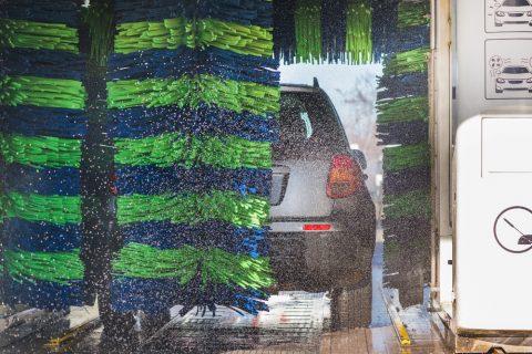 Waschanlage – Unfall bei Abschluss des Waschvorgangs