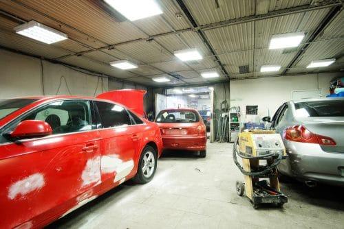 Verkehrsunfall - Schadensersatzanspruch für unnötige Kfz-Werkstattkosten und Standgebühren