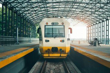 Pauschalreisevertrag mit Rail & Fly Ticket – verpasster Hinflug aufgrund Zugverspätung