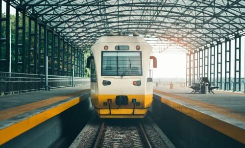 Pauschalreisevertrag mit Rail & Fly Ticket - verpasster Hinflug aufgrund Zugverspätung