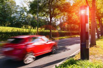 Verkehrsunfall – Haftung Fahrer bei erheblicher Geschwindigkeitsüberschreitung innerorts