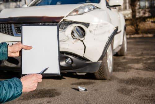 Verkehrsunfall - Restwertbestimmung Fahrzeug bei Angebot aus dem Ausland