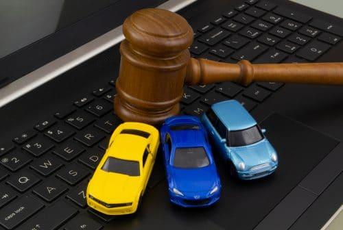 Richterablehnung wegen möglicher Befangenheit - vergleichbare Fahrzeugprobleme wie Kläger