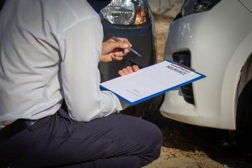 Verkehrsunfall - Erstattungsfähigkeit Sachverständigenkosten bei Unbrauchbarkeit Gutachten