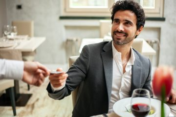 Reisevertrag – Trinkgeldempfehlungen Reiseveranstalter in Form einer Widerspruchslösung