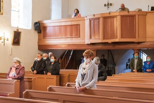 Corona-Pandemie - Maskenpflicht und Gesangsverbots in religiösen Veranstaltungen