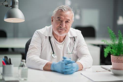 Chefarzt nicht alle Behandlungen selbst durchgeführt – darf er trotzdem abrechnen?