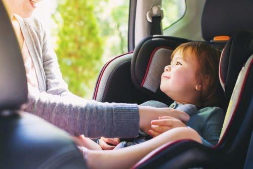 Kfz-Kaufvertrag - Aufklärungspflicht über Zulässigkeit der Verwendung von Kindersitzen