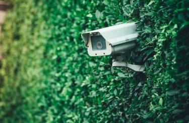 Installation schwenkbare Videoüberwachungskamera - Persönlichkeitsverletzung des Nachbarn