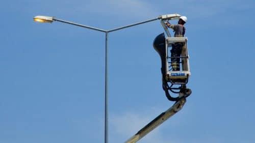 Verkehrsunfall – Reparaturkosten für Straßenbeleuchtungsmast - Abzug