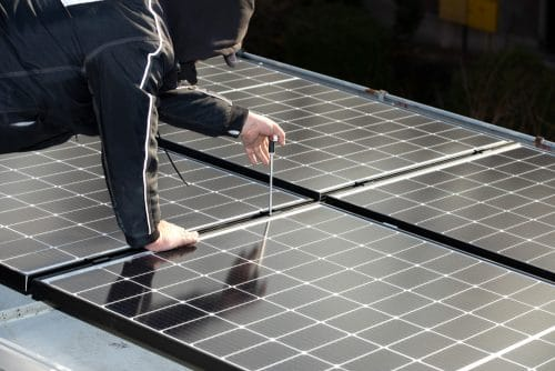 Lieferung und Montage einer Photovoltaikanlage auf Garagendach mangelhaft - Ansprüche