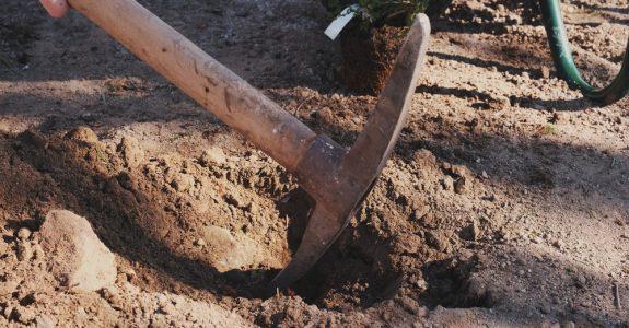 Anfechtung einer Bodenabbaugenehmigung durch Nachbarn