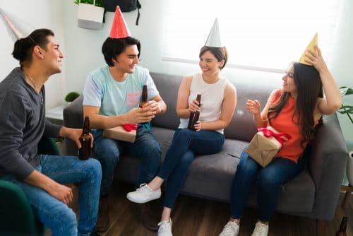 Knallkörper in einem Geburtstagsgeschenk - deliktische Haftung des Beschenkten