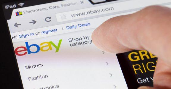 Adelaide,,Australia,-,August,18,,2013:,Browsing,The,Ebay,Webpage