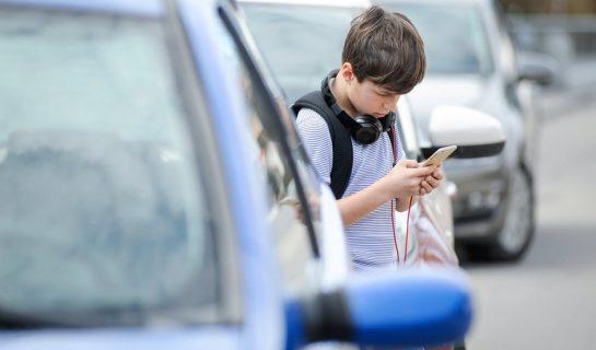 Verkehrsunfall – Überqueren einer Straße durch 11-Jährigen – Mitverschulden