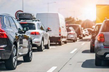 Verkehrsunfall bei Stau – Anwendbarkeit des § 18 Abs. 3 StVO auf der bevorrechtigten Fahrspur