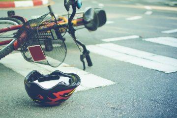 Fahrradunfall mit Fußgänger – Schadensersatz – Seite des Rad- und Gehwegs gewechselt