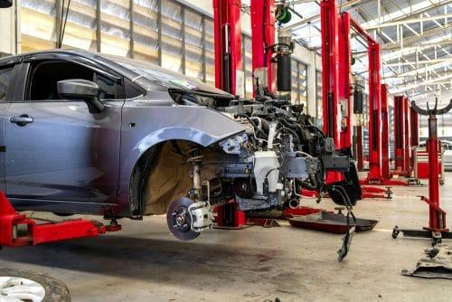 Verkehrsunfall - Reparatur des verunfallten Fahrzeugs in eigener Werkstatt