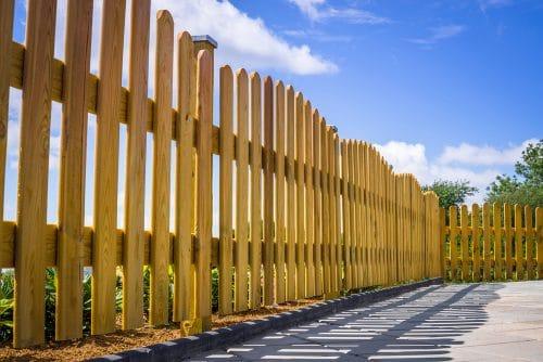 Rückbau Holzzaun - Beeinträchtigung Eigentumsrecht der Grundstücksnachbarn