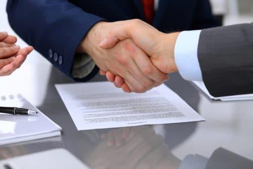 Courtagevereinbarung - fristlose Kündigung - Nachschieben eines Grundes