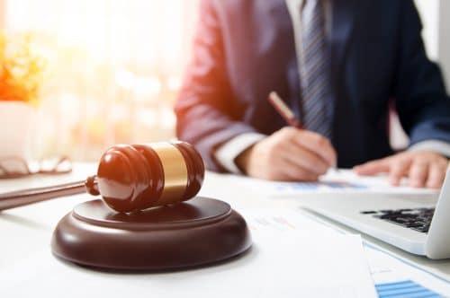 Erstattungsfähigkeit von Rechtsanwaltskosten für ein außergerichtliches Aufforderungsschreiben